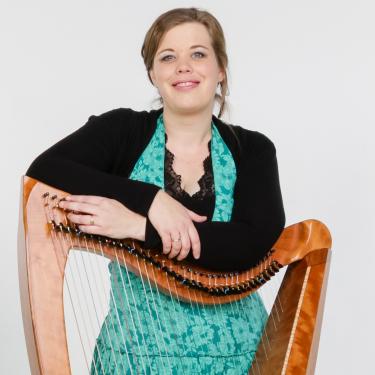 Harpiste Anouk Platenkamp